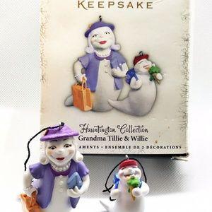 2005 Hallmark Keepsake Grandma Tillie & Willie